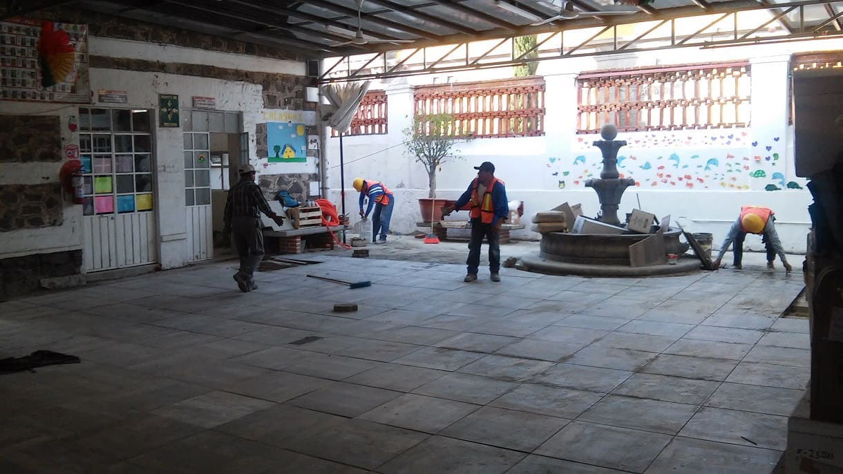 Cambio de piso en Fundacion Caritas Puebla Concauce